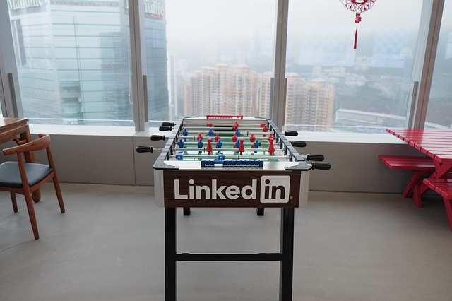 use-LinkedIn-features